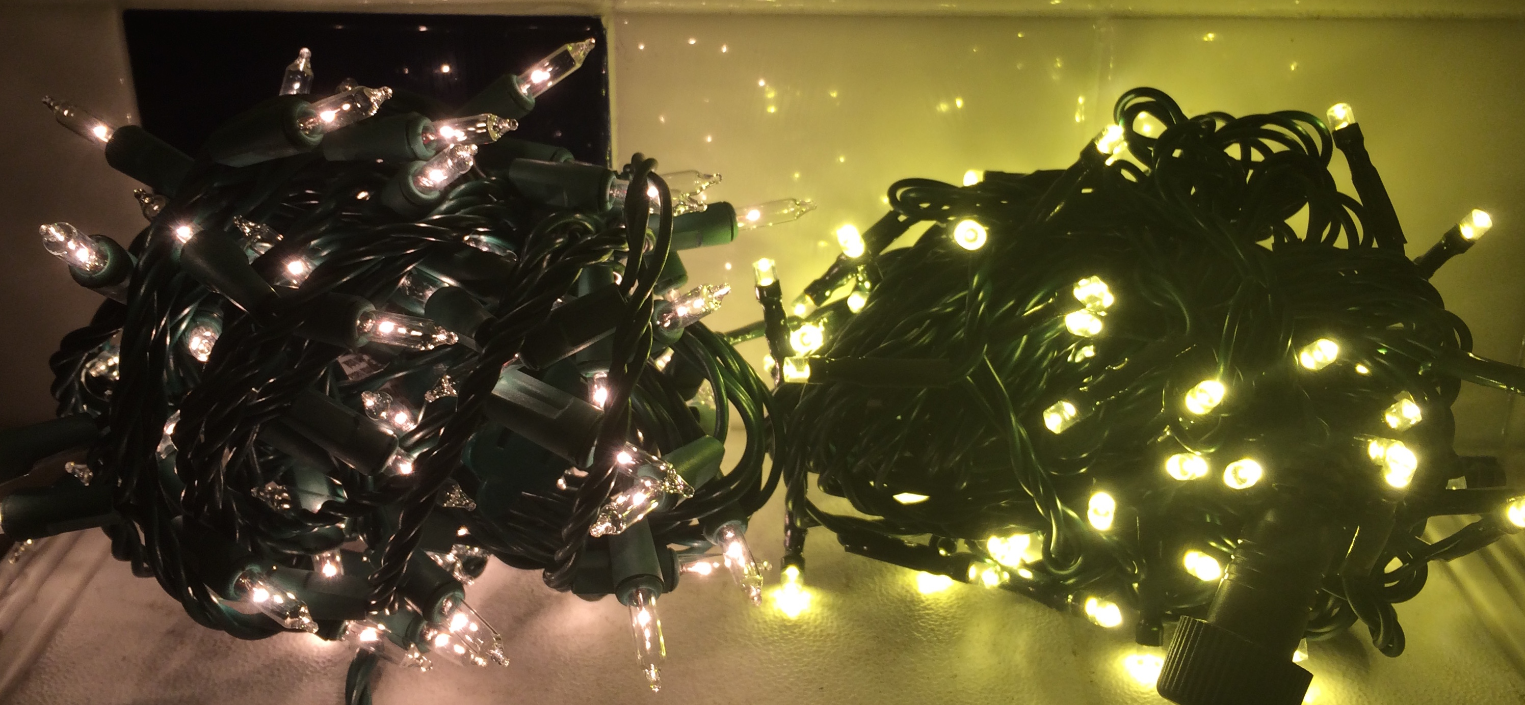 LED vs Incandescent | Mr Christmas Lights